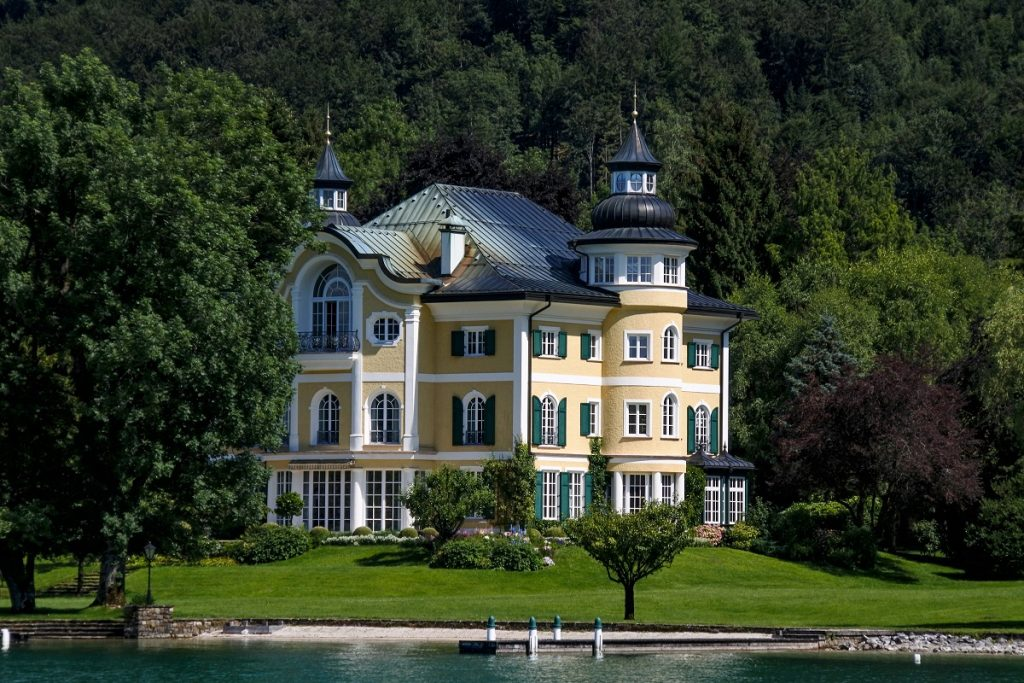 What Is Luxury Real Estate?